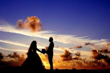 結婚祝いにドルチェグストを贈ろうと思っている方へ気をつけたいことなどを解説