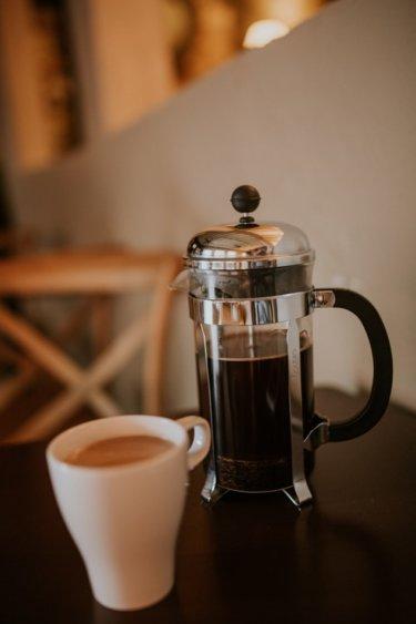 フレンチプレスの魅力とおすすめのコーヒー器具を紹介します。